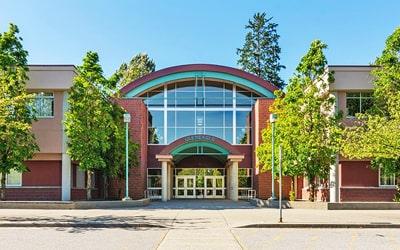 Colegio público Gleneagle Secondary School en Coquitlam, British Columbia