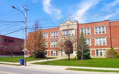Colegio público Guelph Collegiate Vocational Institute en Guelph, Ontario