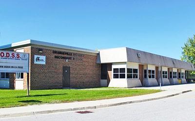 Colegio público Orangeville District Secondary School en Orangeville, Ontario