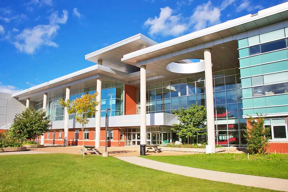 Estudiar en colegios públicos de Nova Scotia School District, Canada