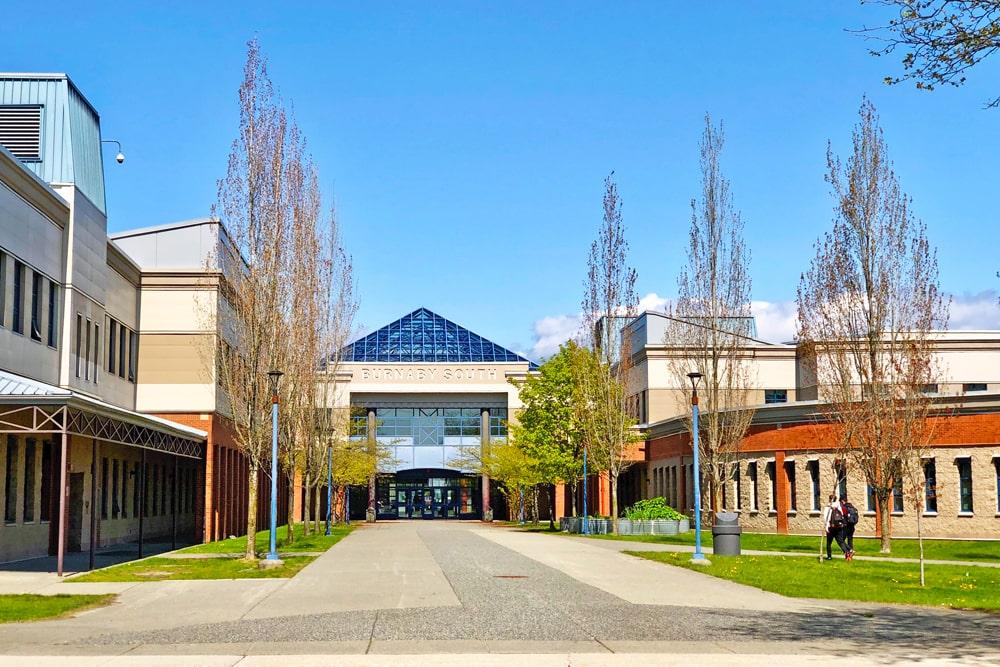 Estudiar en colegios públicos o privados en Canadá