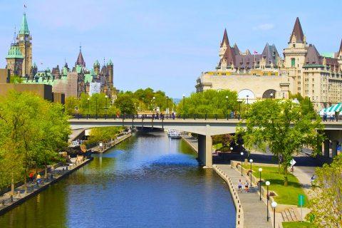 Estudiar un año escolar en colegios públicos de Upper Canada District School Board en Cornwall, Ontario y Quebec