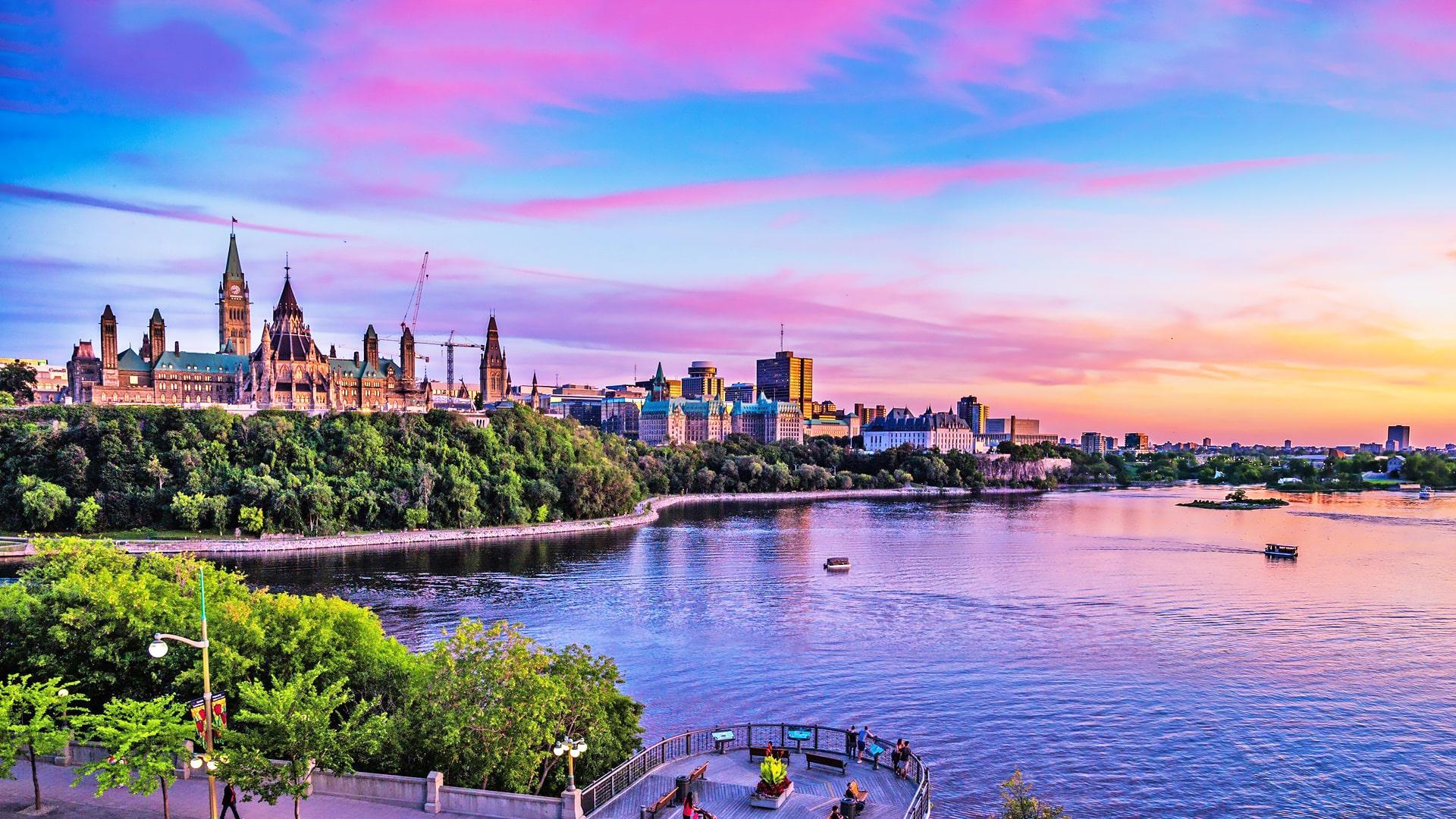 Estudiar un año escolar en colegios públicos de Upper Canada School District en Cornwall, Ontario y Quebec (Canadá)