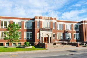 Estudiar un curso académico en colegios públicos de Upper Canada District School Board en Cornwall, Ontario y Quebec