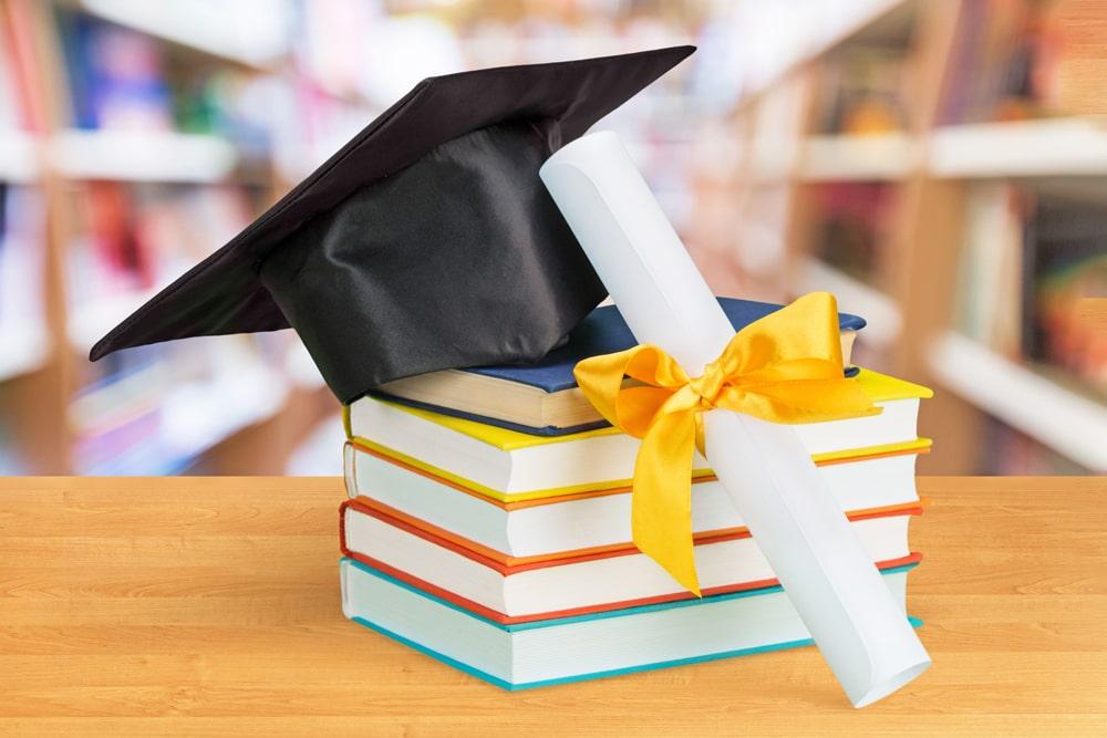Requisitos del programa J1 de año escolar en USA