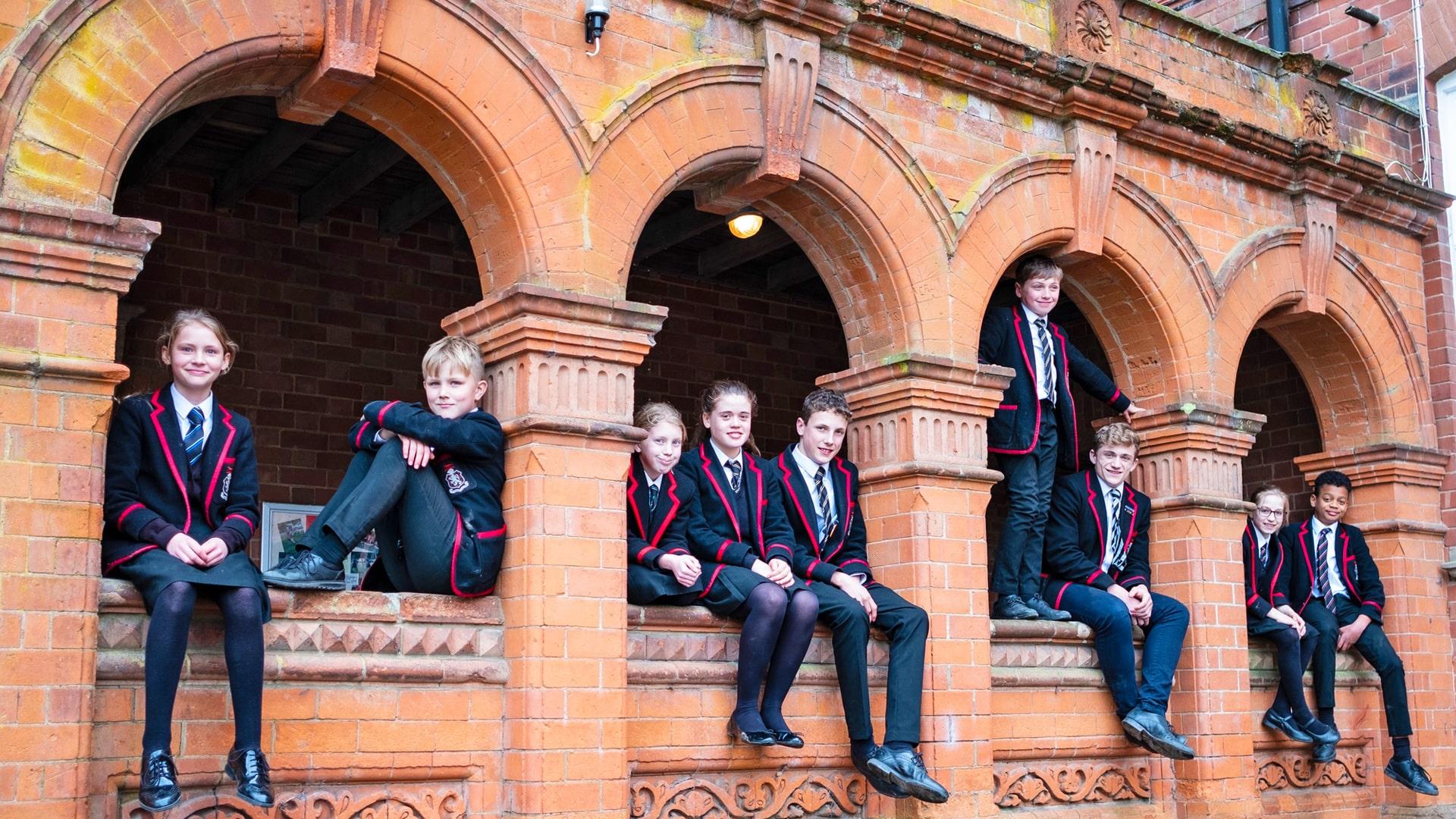 Internado año escolar en Inglaterra Lucton School