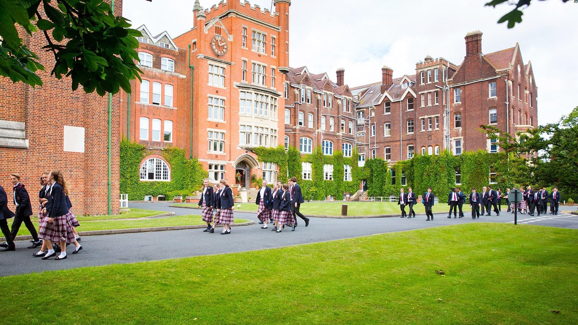 Internado año escolar en Inglaterra St. Lawrence College