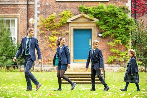 Internado año escolar King's Ely School en Inglaterra