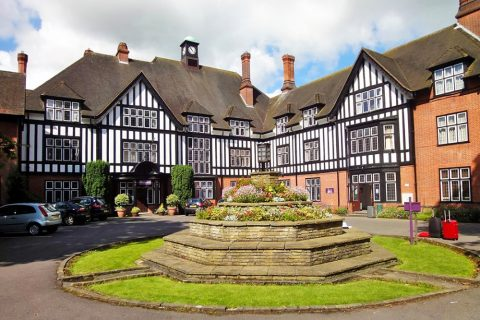 Internado para chicas Queenswood School en Inglaterra