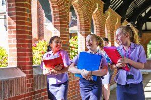 Internado para chicas en Inglaterra Queenswood School
