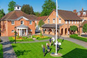 Internado privado TASIS The American School in England en Inglaterra