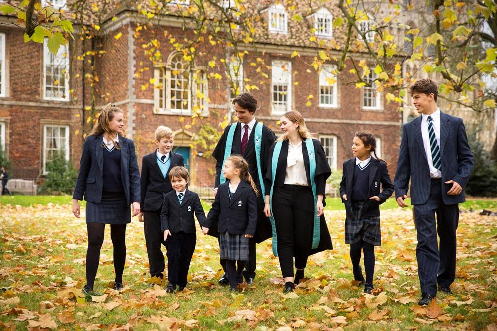 Supervisión del año escolar en el internado King's Ely School