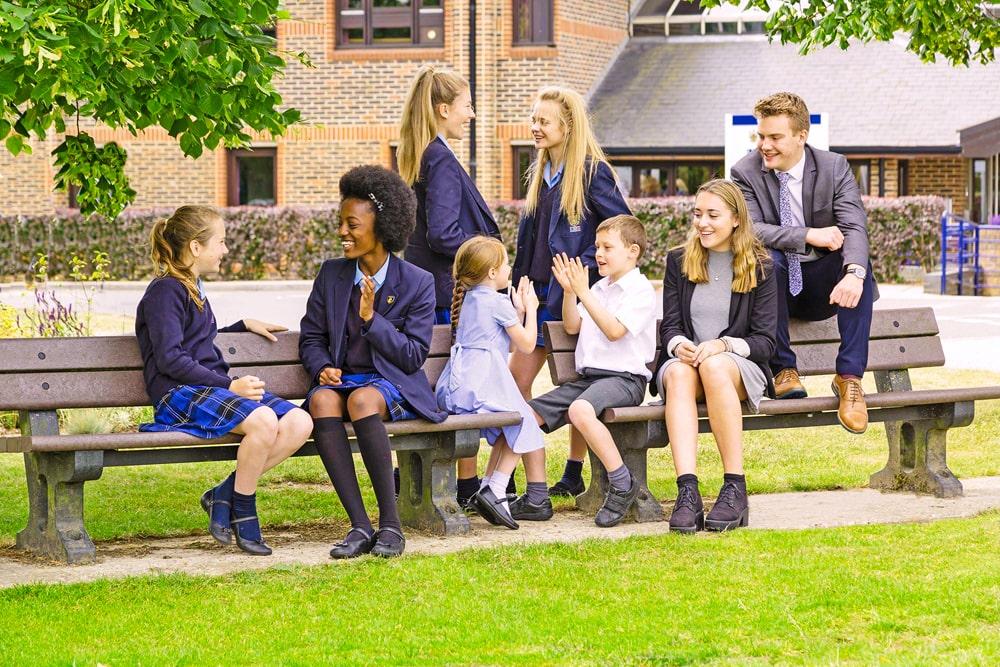 Supervisión del año escolar en el internado LVS Ascot Licensed Victuallers' School