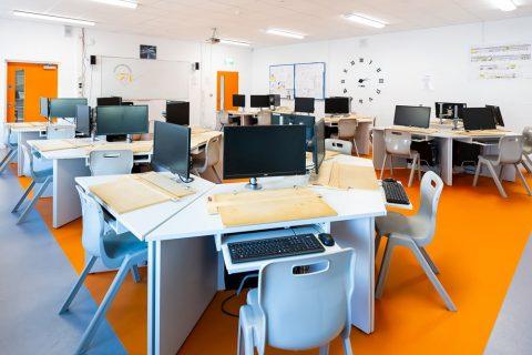 colegio en irlanda saint nessans community school