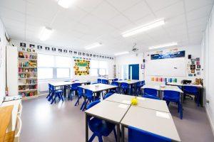 colegio publico en irlanda saint nessans community school