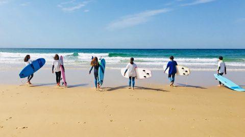 Campamento de verano de francés y surf en Arcachon, Francia