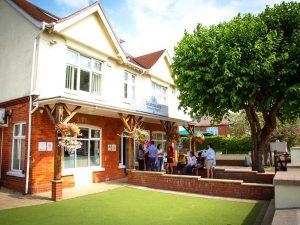 Curso de preparación First Certificate para niños y jóvenes en Bournemouth 1