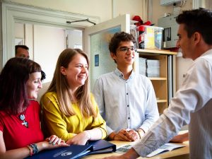 Curso de preparación First Certificate para niños y jóvenes en Bournemouth 10