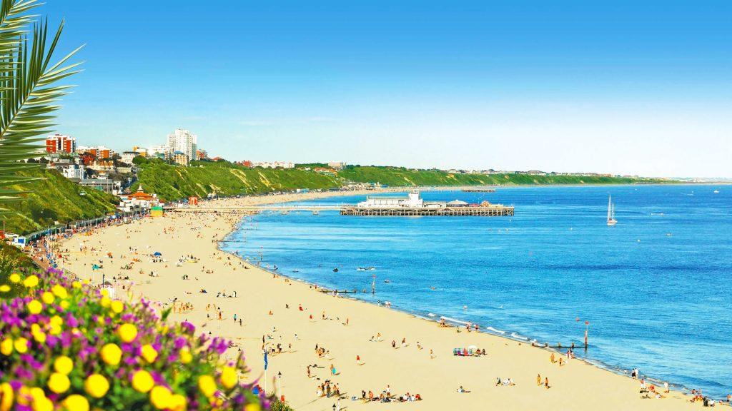 Curso de verano de preparación del examen First Certificate en Bournemouth para niños y jóvenes