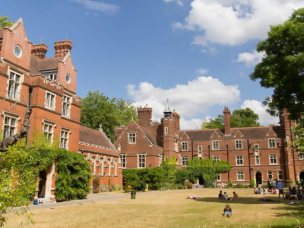 Curso de verano de inglés en Cambridge en residencia 18