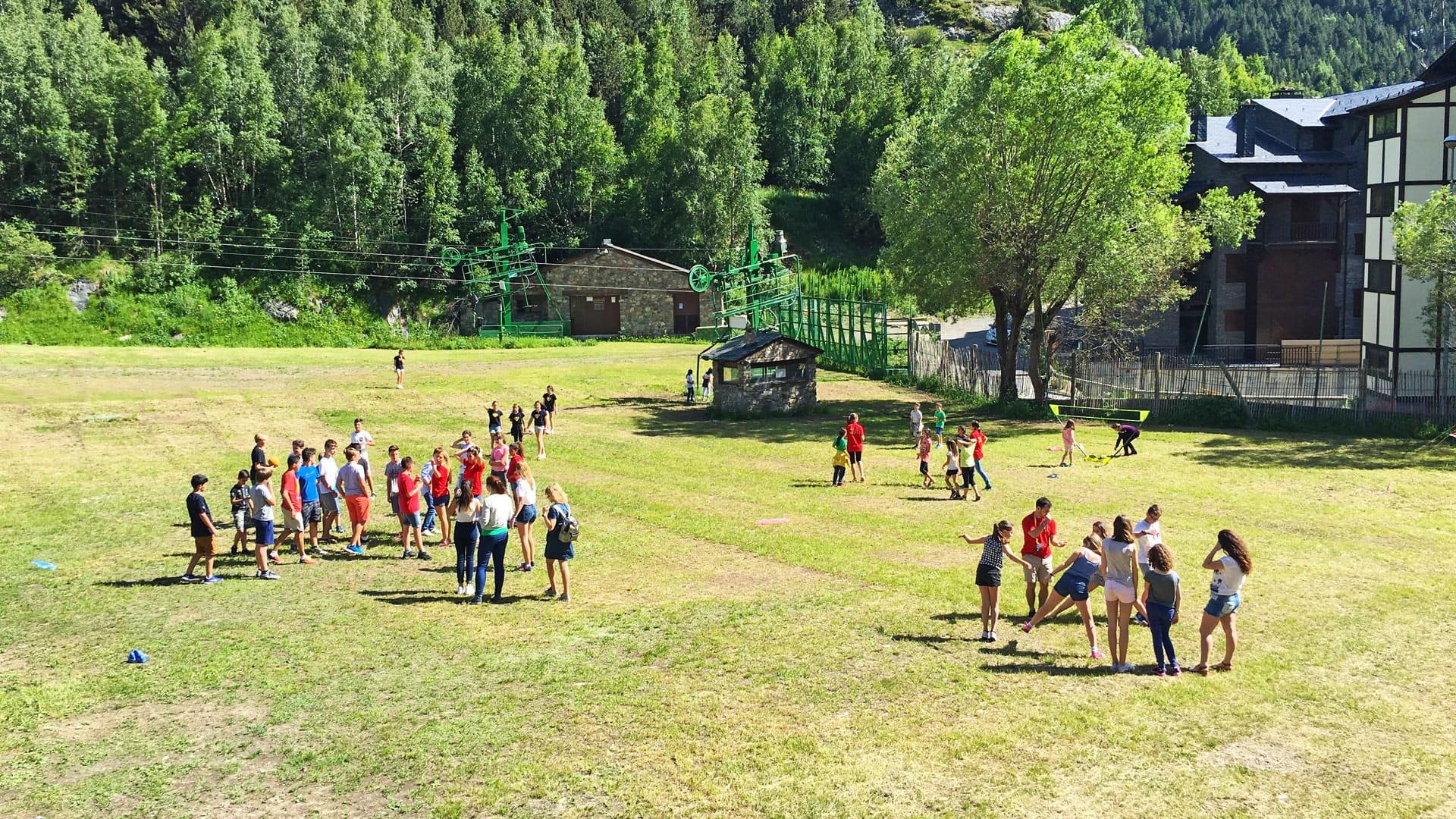 Campamento de verano en Pirineos de inglés o francés