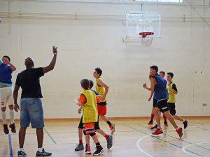 Curso de verano de inglés y baloncesto en Dublín 15
