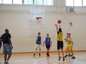 Curso de verano de inglés y baloncesto en Dublín 8