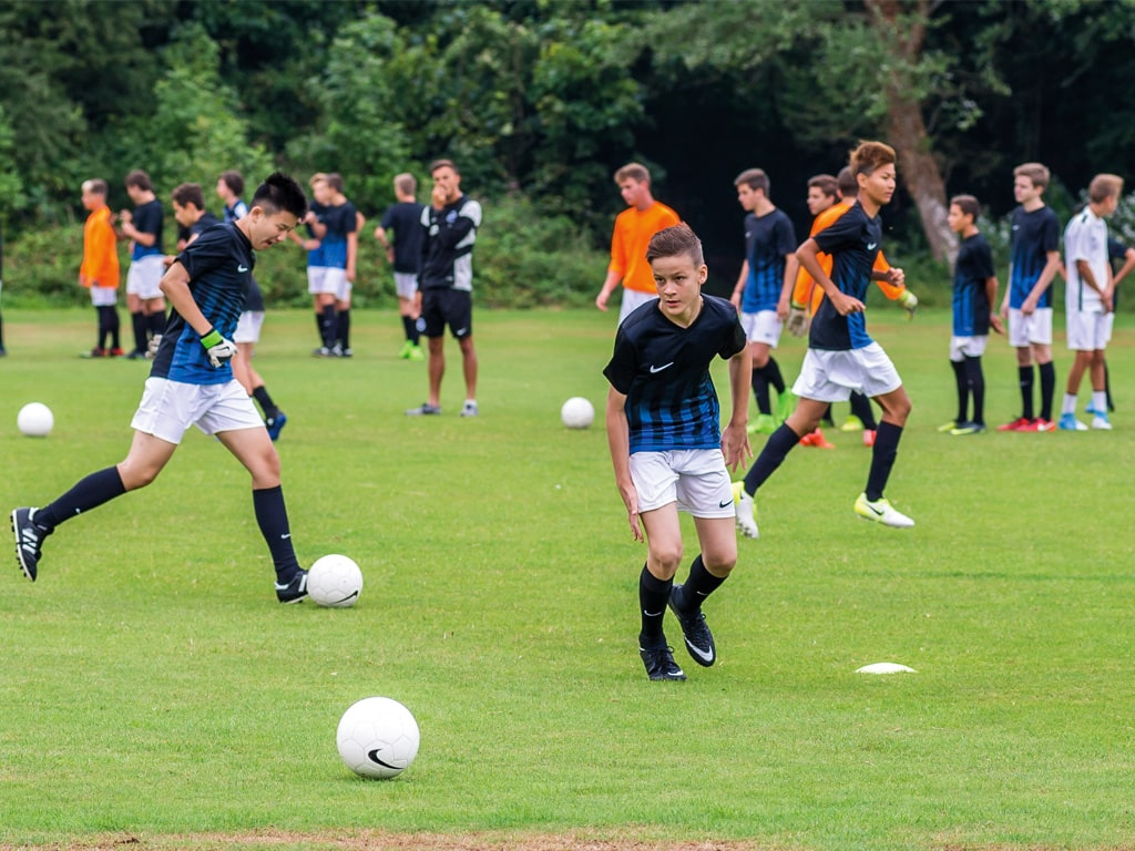 Campamento de verano de inglés y fútbol del Brighton FC 12