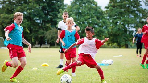 Campamento de verano de inglés y fútbol del Brighton FC