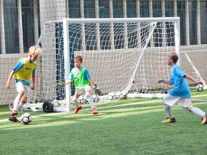 Campamento de verano de inglés y fútbol del Manchester City FC 20