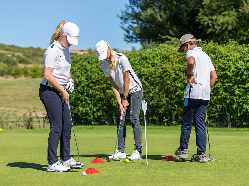 Campamento de verano de inglés y golf en Inglaterra de Nike 1