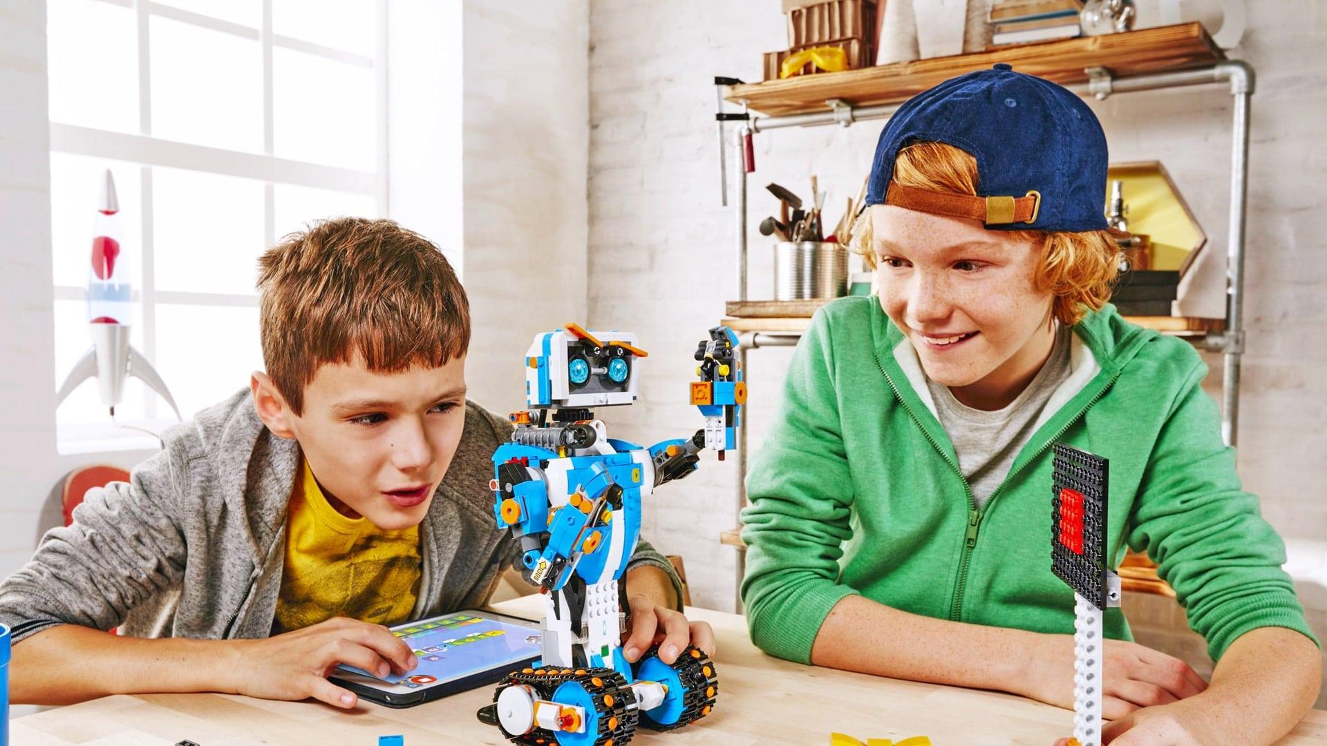 Campamento de verano de inglés y robótica LEGO en Inglaterra