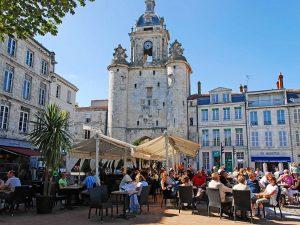 Campamento de verano de francés y catamarán o windsurf en La Rochelle, Francia 10