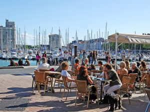 Campamento de verano de francés y catamarán o windsurf en La Rochelle, Francia 14