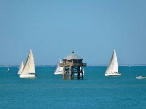 Campamento de verano de francés y catamarán o windsurf en La Rochelle, Francia 16