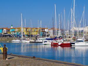 Campamento de verano de francés y catamarán o windsurf en La Rochelle, Francia 20