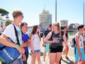 Campamento de verano de francés y catamarán o windsurf en La Rochelle, Francia 6