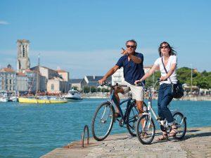 Campamento de verano de francés y catamarán o windsurf en La Rochelle, Francia 7