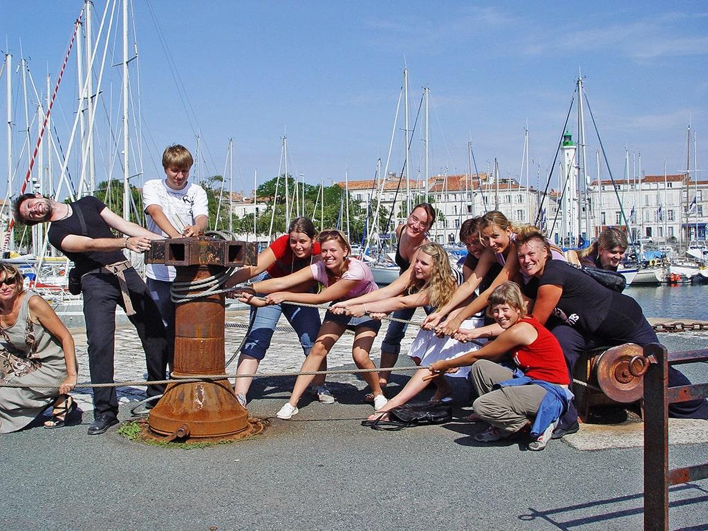 Campamento de verano de francés y catamarán o windsurf en La Rochelle, Francia 9