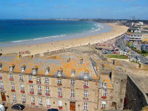 Campamento de verano de francés y vela o equitación en Saint-Malo, Francia 5