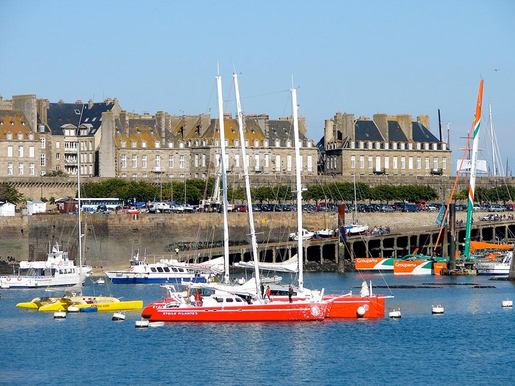 Campamento de verano de francés y vela o equitación en Saint-Malo, Francia 9