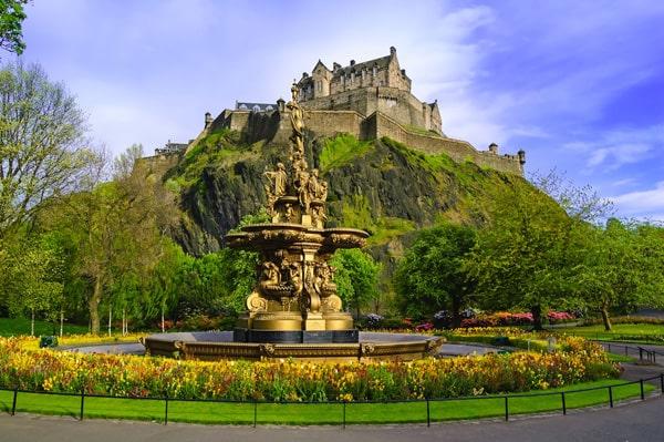 Cursos de verano en Escocia para niños jóvenes